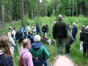 Fælde til skovmåren præsenteres for frivillige, Foto: Bo Håkansson