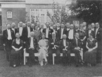 At DN havde et tæt samarbejde med Statsminister Thorvald Stauning, ses på dette billede, hvor foreningen havde inviteret til jubilæumsmiddag i Erick Struckmanns have